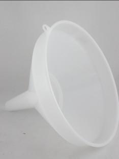 Plastikinis piltuvėlis su sieteliu