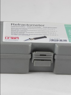 Refraktometras 0-32 %BRIX +ATC
